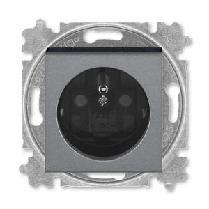 Zásuvka jednonásobná s clonkami Levit ocelová / kouřová černá